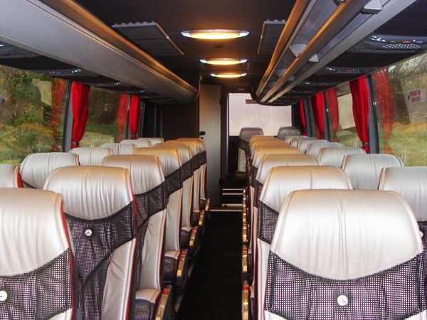 32seater-inside_resize